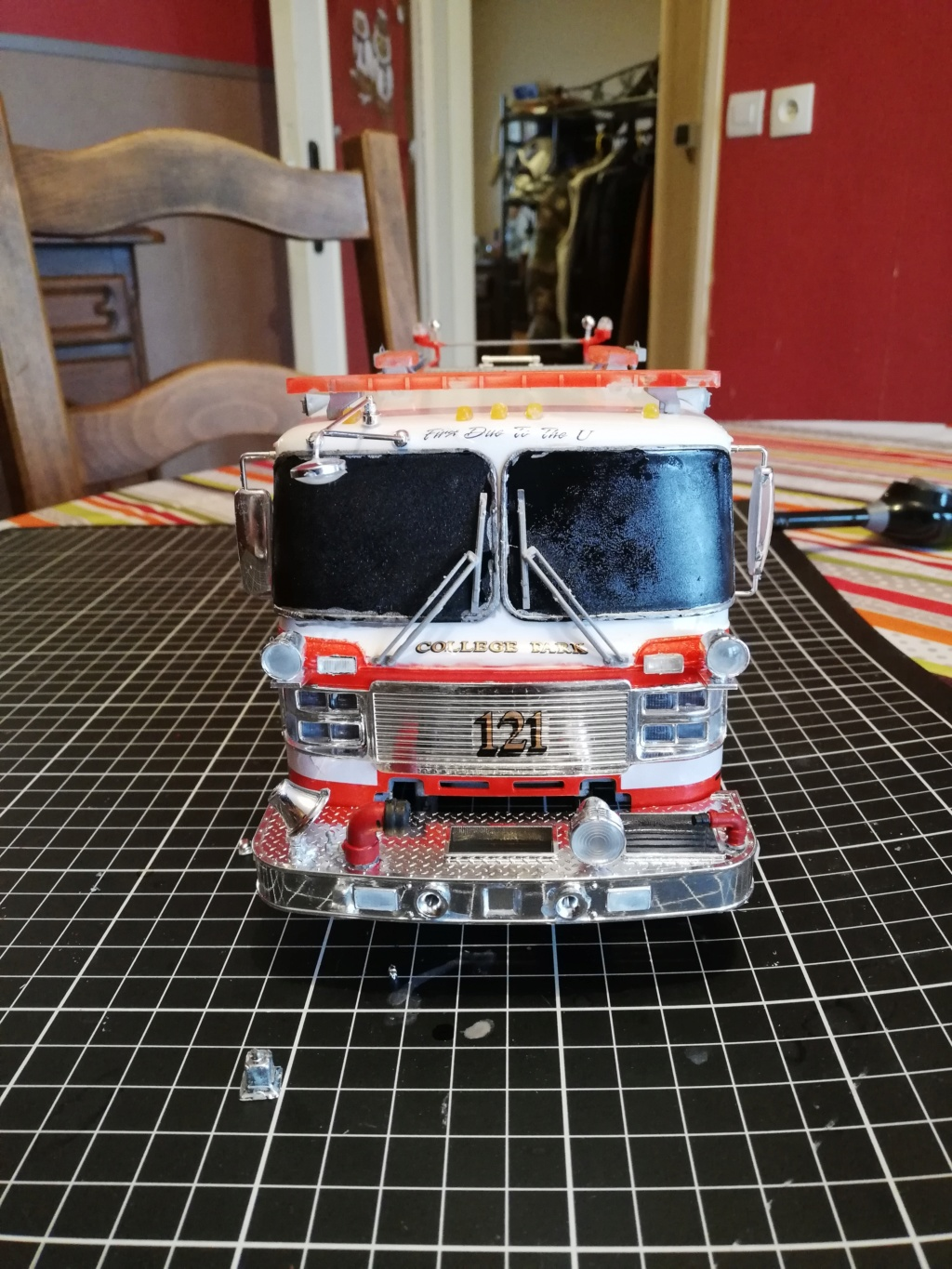 American Lafrance Eagle fire pumper [Trumpeter 1/25] - Page 3 Img_2038