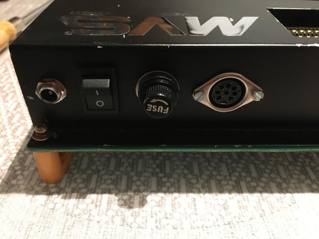 Slot MV2F consolisé, écran bleu au démarrage  Img_3317