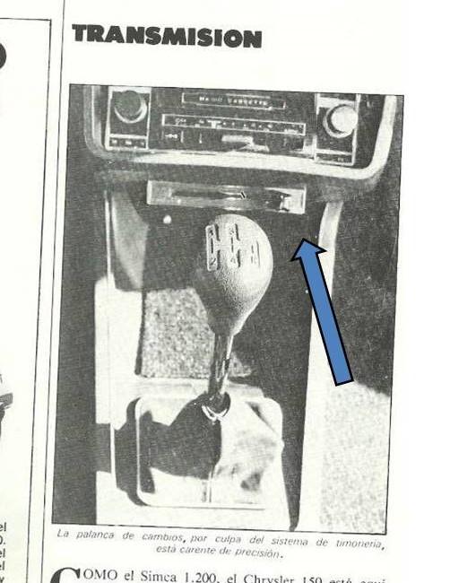 ¿¿Qué es eso bajo el hueco del radiocassette?? Pregun12