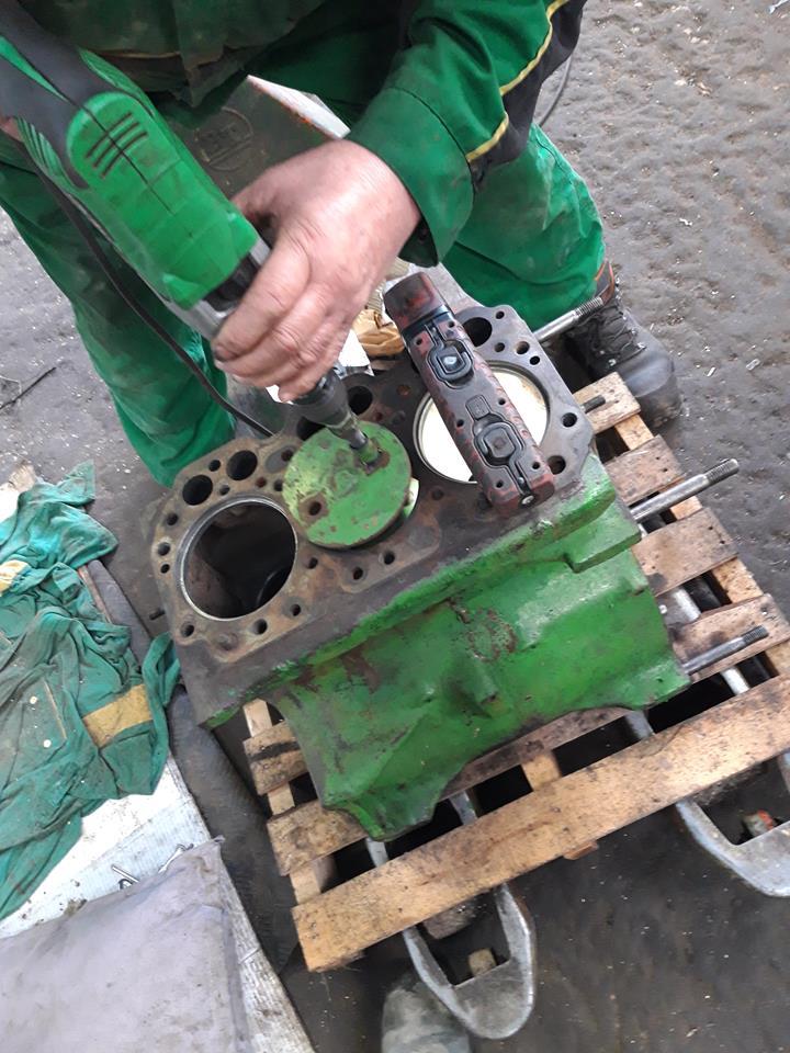 modification du bloc moteur john deere 510  48372110