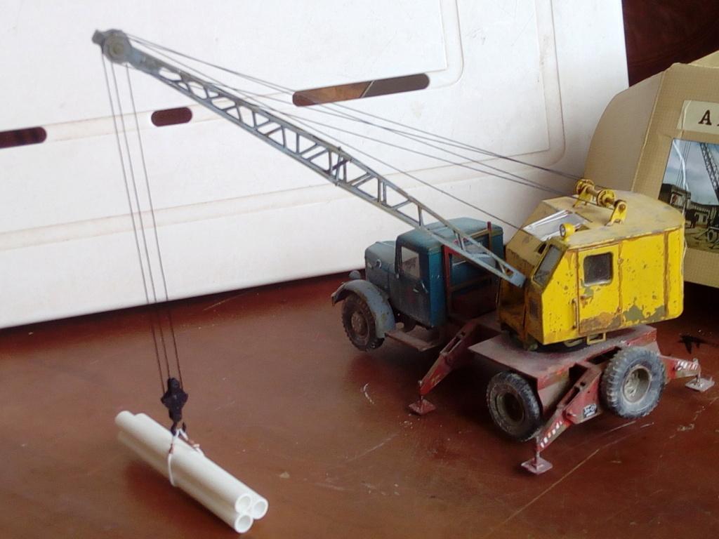 Truck Crane K-51 Modèle AVD 1/43éme  Img_2792