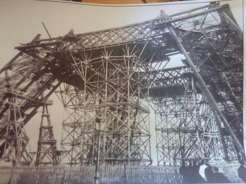 Les étapes de construction de la Tour Eiffel - Heller 1/650éme - Img_2829