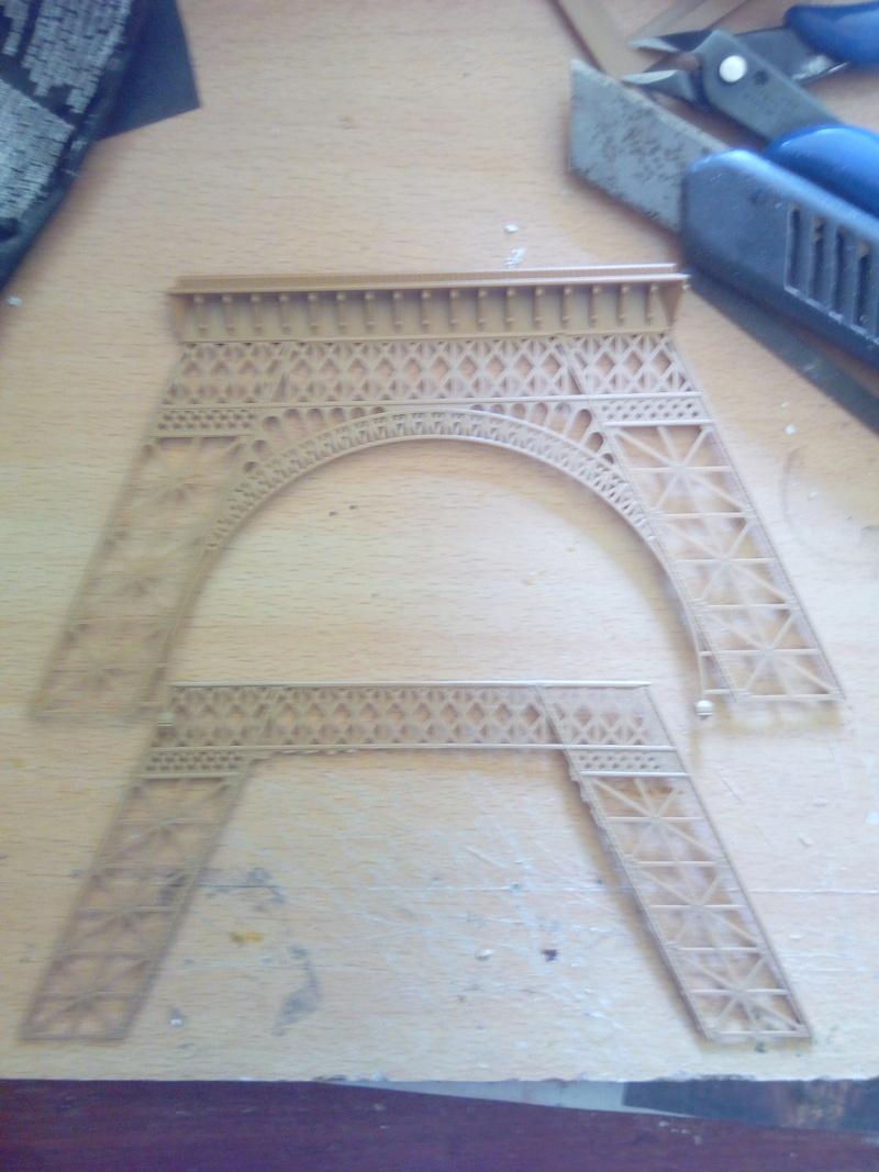 Les étapes de construction de la Tour Eiffel - Heller 1/650éme - Img_2830