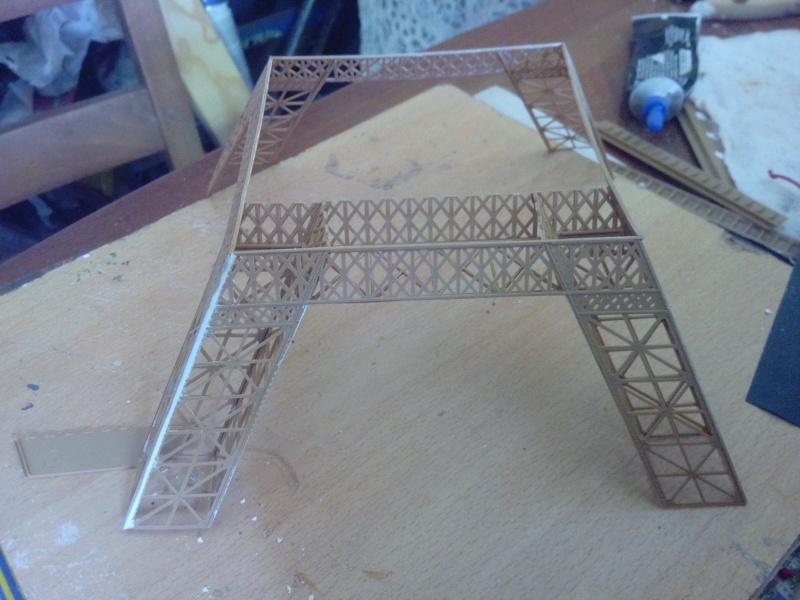 Les étapes de construction de la Tour Eiffel - Heller 1/650éme - Img_2831