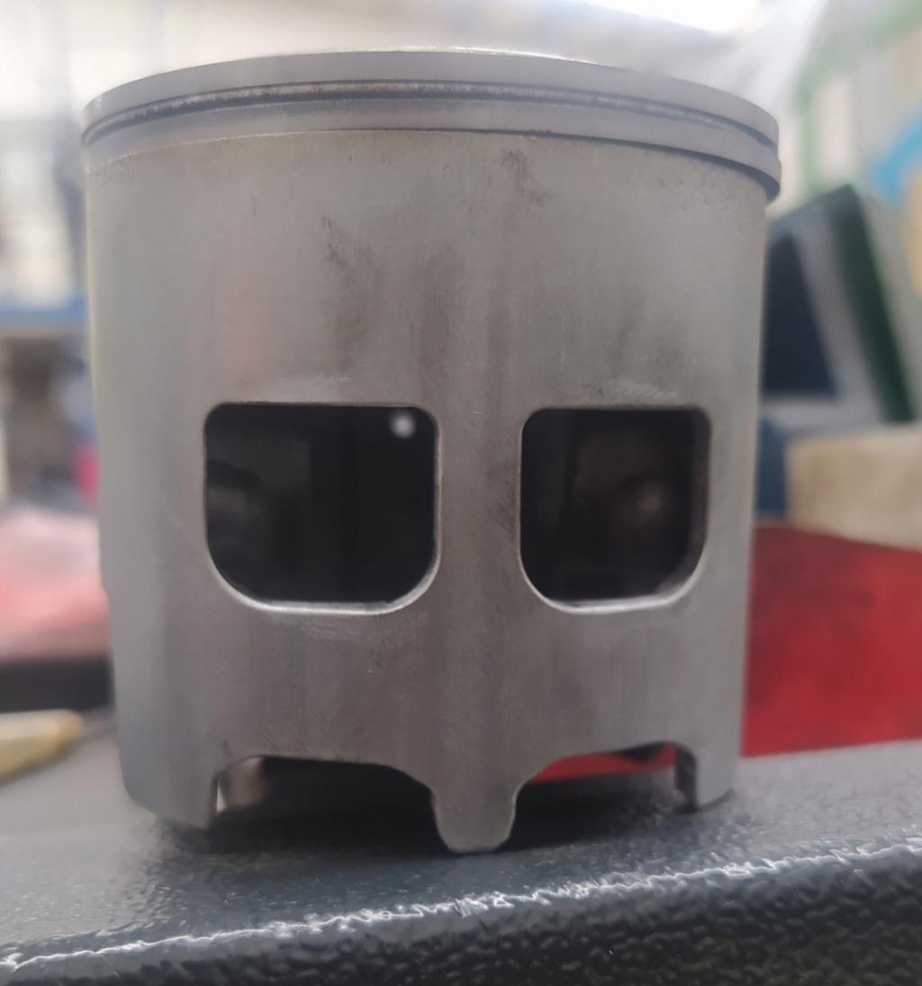 motor campera 5v tira mucho aceite por el escape Img_2012