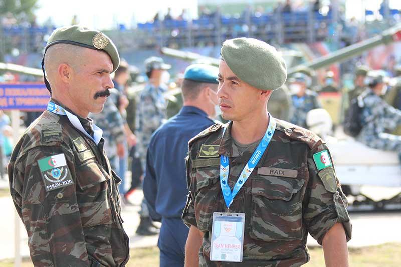 Armée Algérienne (ANP) - Tome XIV - Page 3 Sport212