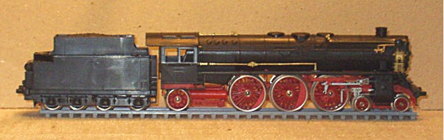 BR 03 Altbau auf Piko-Basis mit Revell-Tender - ein altes Projekt 02_311