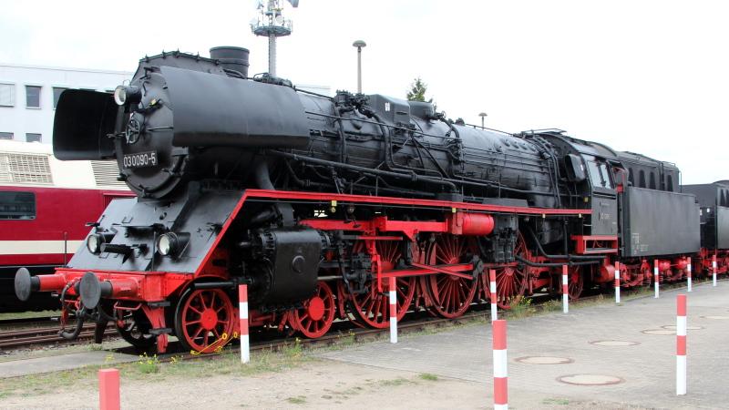 Die Baureihe 03.10 der DB in Spur HO 03_10910