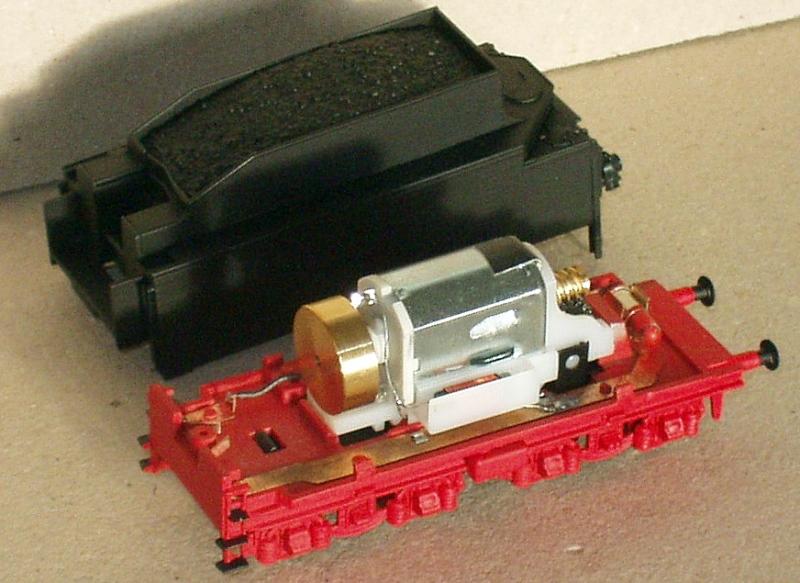 BR 03 Altbau auf Piko-Basis mit Revell-Tender - ein altes Projekt Bild_510