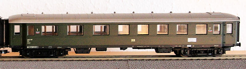 Die Einheits-Schnellzugwagen als H0-Modelle Jouef_11