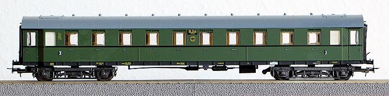 Die Einheits-Schnellzugwagen als H0-Modelle Li843010