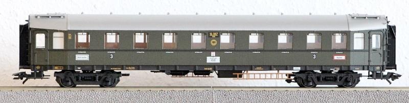 Die Einheits-Schnellzugwagen als H0-Modelle Ma422510