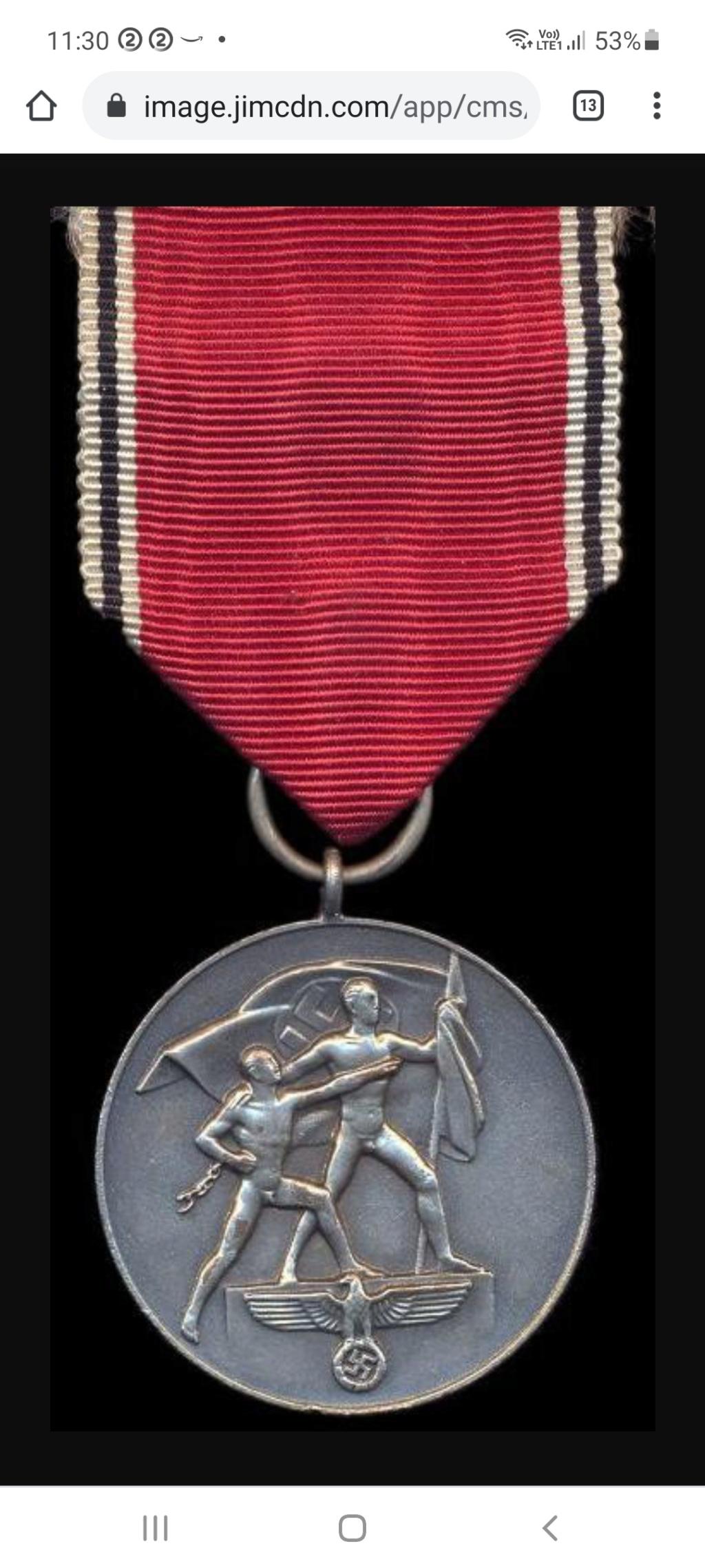 Avis médaille  et barrette château de Prague Screen14