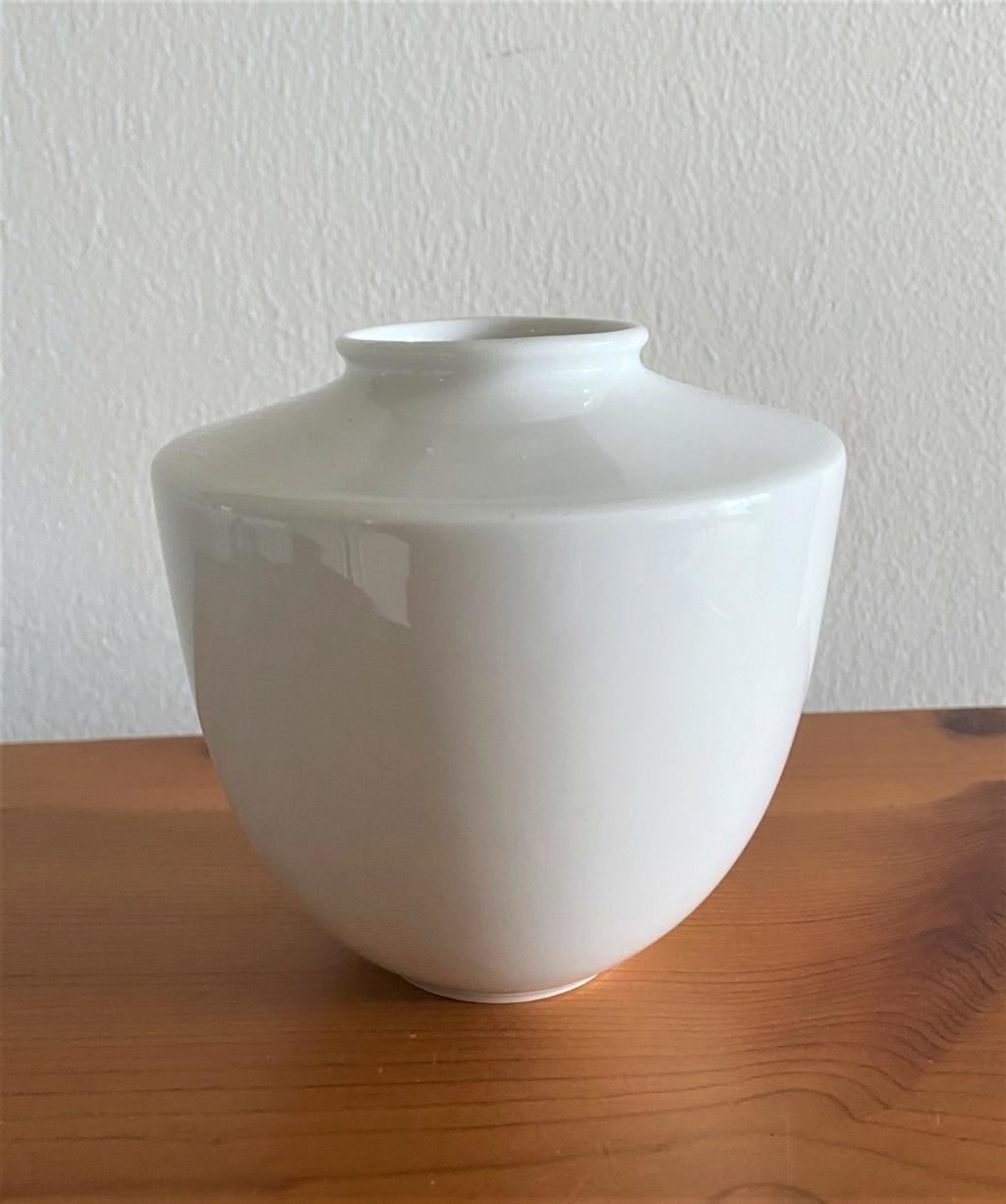 Modern White Porcelain Bud Vase with blue maker's mark Img_0013
