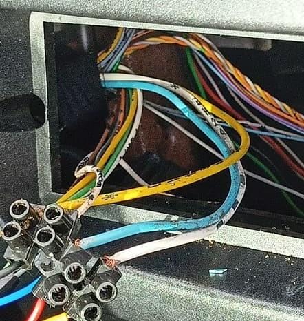 [ Peugeot 206 CC ] Branchement autoradio garde pas mémoire Image_10