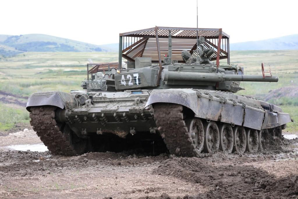 T-72 ΜΒΤ modernisation and variants - Page 27 Avjrou10