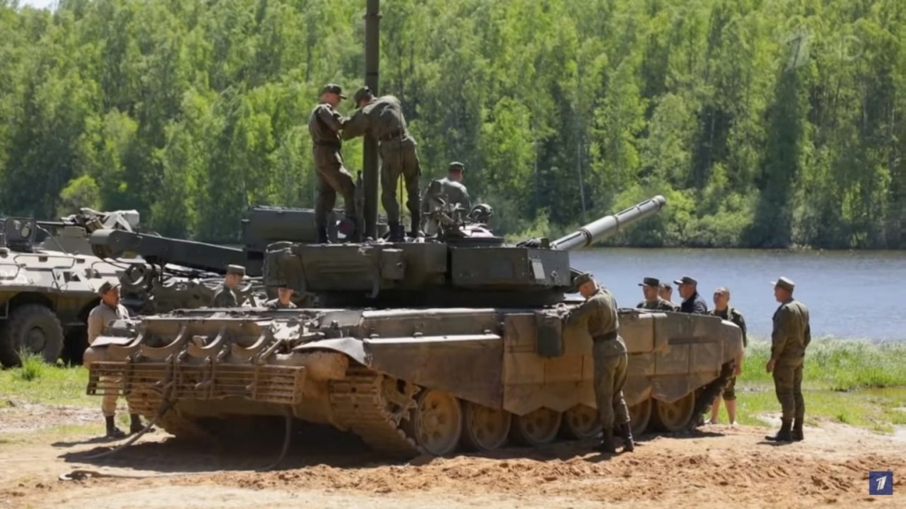 T-72 ΜΒΤ modernisation and variants - Page 27 Img_2054
