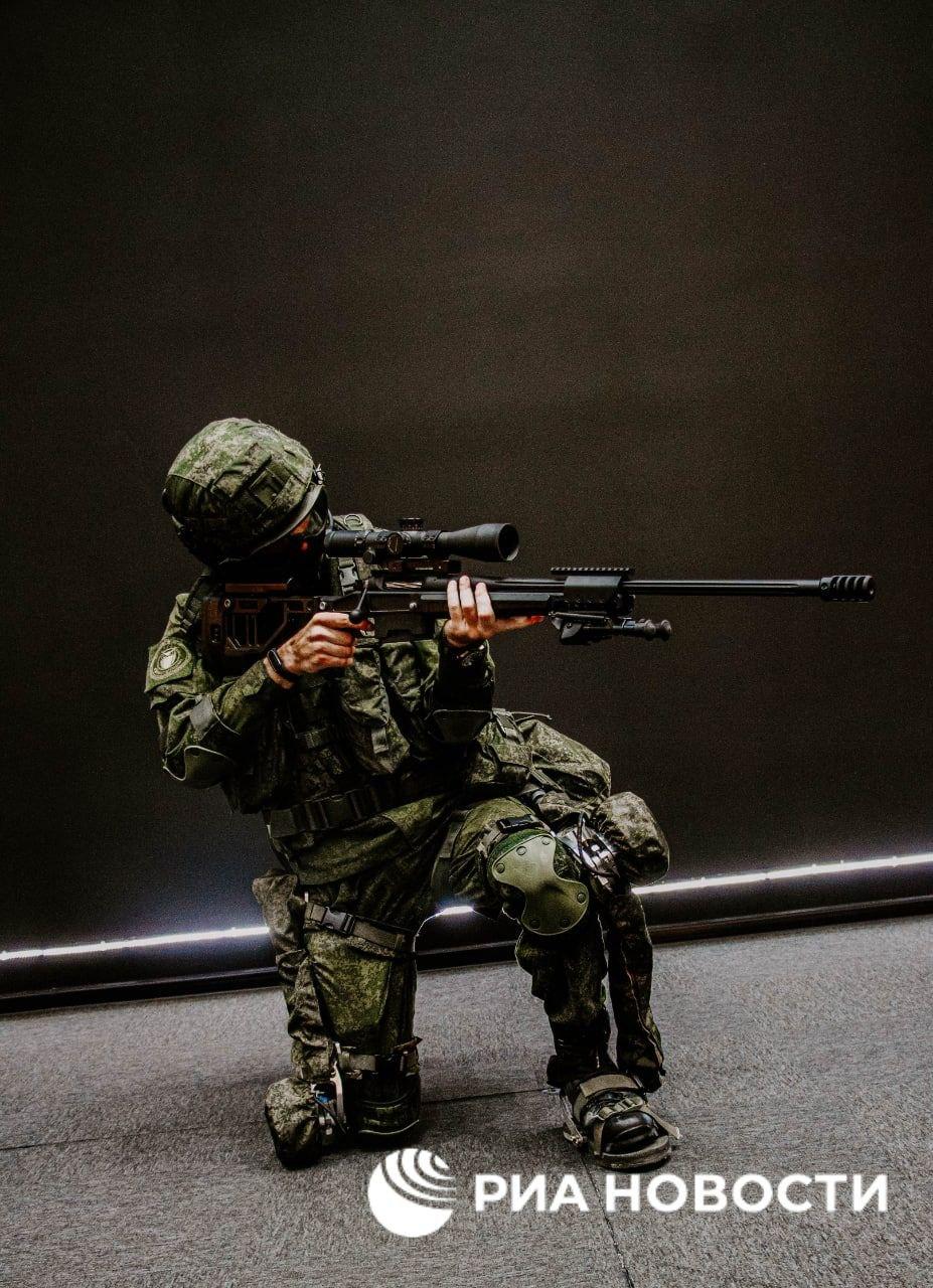 'Sotnik' next-gen combat armor Img_2229