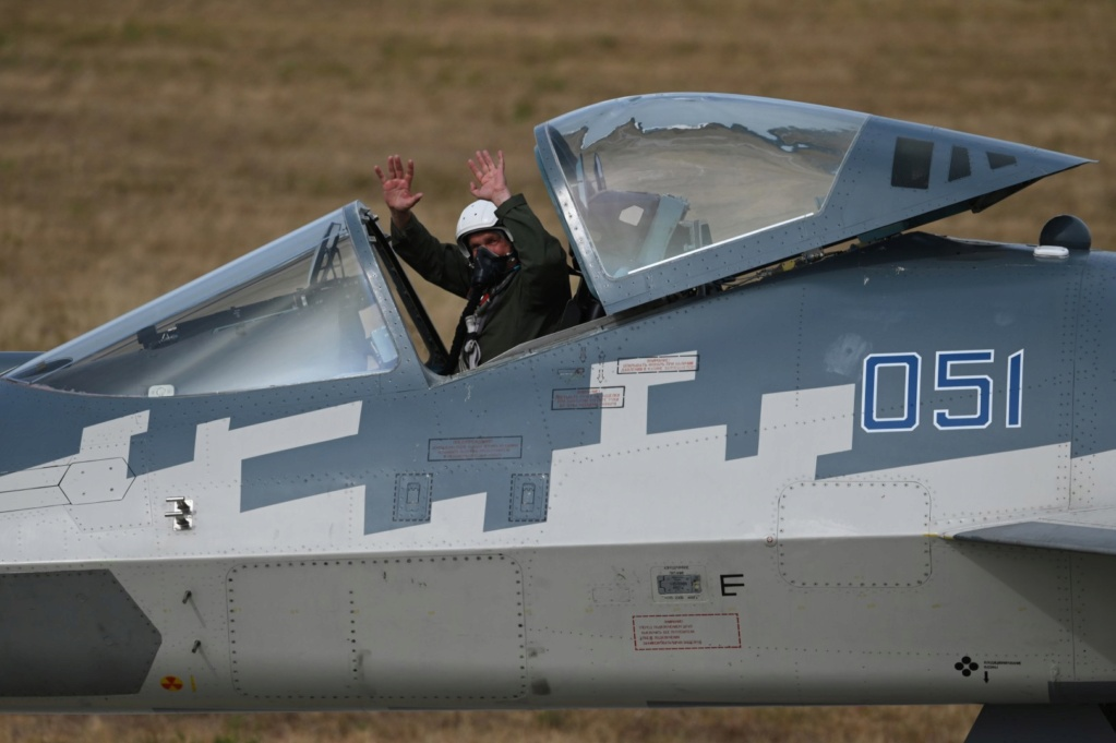 Su-57 Stealth Fighter: News #7 - Page 32 Qz9wxo10