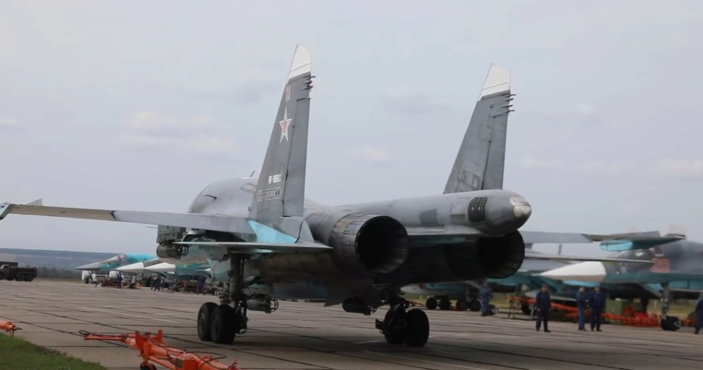 Su-34 Tactical Bomber: News #2 - Page 2 Tz5pab10