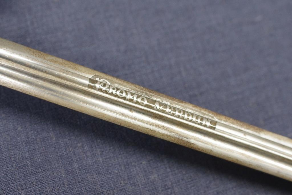 Aider à identifier l'épée M'lle 1882 avec une inscription intéressante. Imgg3712