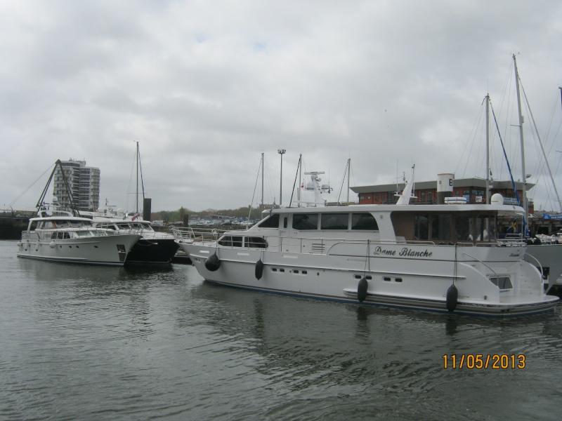 [Vie des ports] Port de Boulogne Img_4147