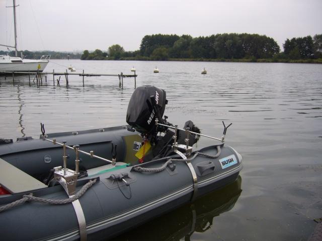 Mon Bush boat P1020010