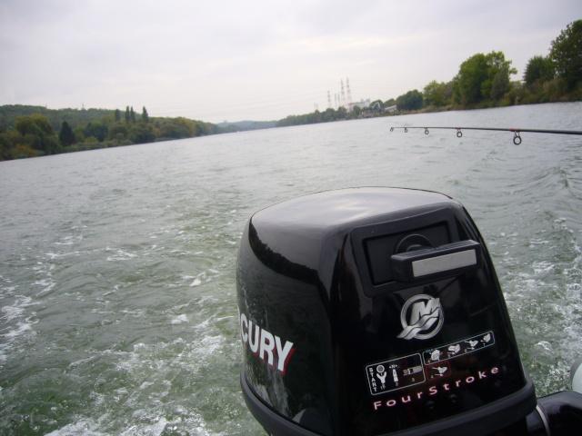 Mon Bush boat P1020011