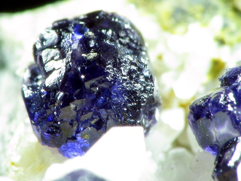 Fluorite Ambazac R_2d10