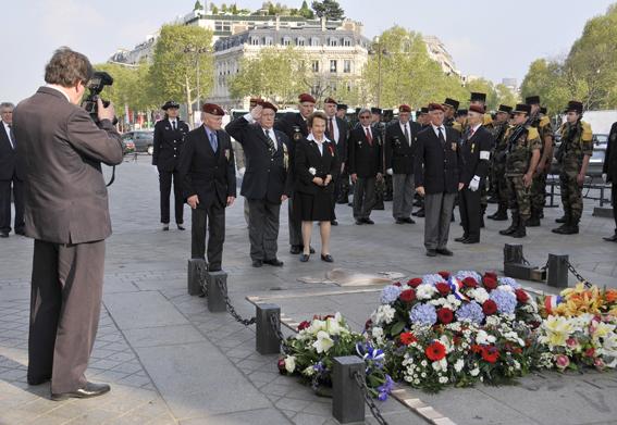Diên Biên Phù fin du sacrifice le 7 mai 1954: hommage aux morts tombés depuis le 20 novembre 1953 _dsc1313