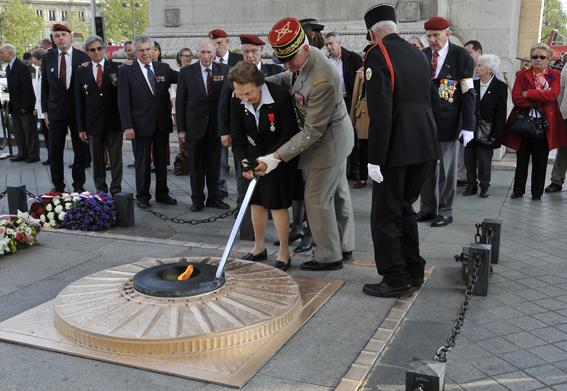 Diên Biên Phù fin du sacrifice le 7 mai 1954: hommage aux morts tombés depuis le 20 novembre 1953 _dsc1315