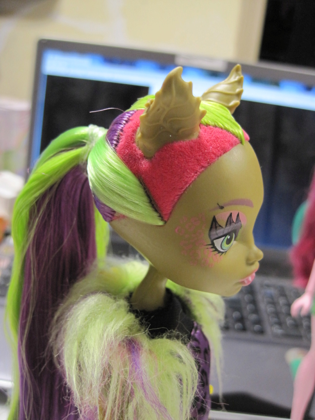 [PHOTOS] restaurations de poneys, barbie .......      (new mission p35) - Page 34 Img_9073