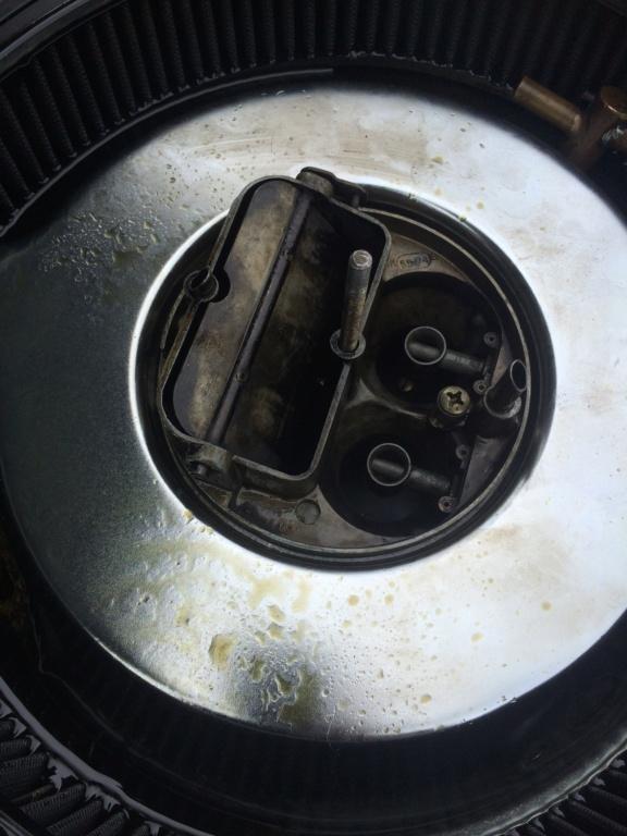Grosse fuite d'huile par les reniflards > filtre à air  Img_7714