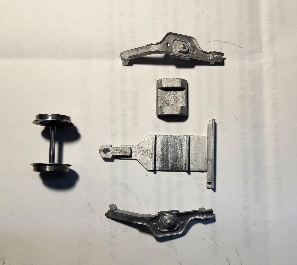 Construction d'un kit DJH de locomotive SNCB type 1.002 - Page 9 Bissel10