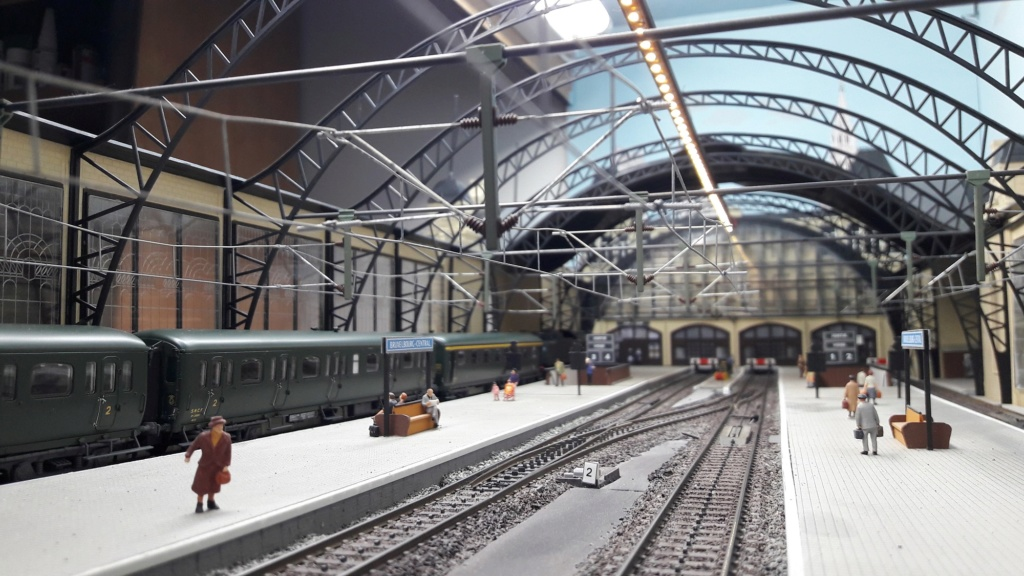 Bruxelbourg Central - Un réseau modulaire urbain à picots (suite) - Page 6 Bruxel21