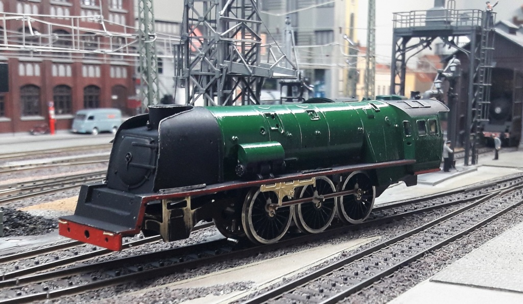 Construction d'un kit DJH de locomotive SNCB type 1.002 - Page 6 Dynamo10