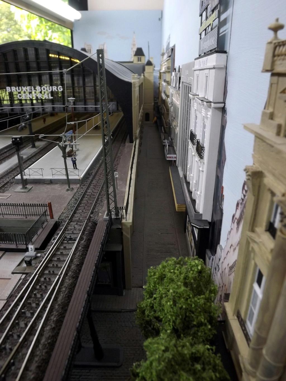 Bruxelbourg Central - Un réseau modulaire urbain à picots (suite) - Page 7 Rue_de11