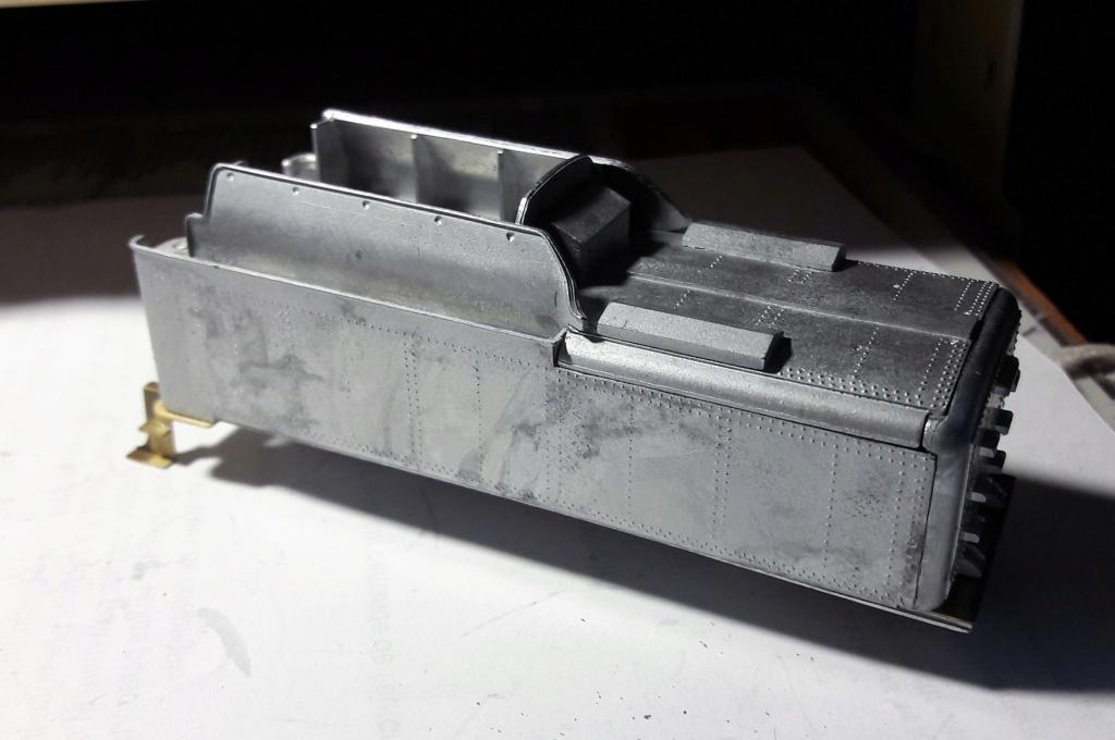 Construction d'un kit DJH de locomotive SNCB type 1.002 - Page 10 Tender11