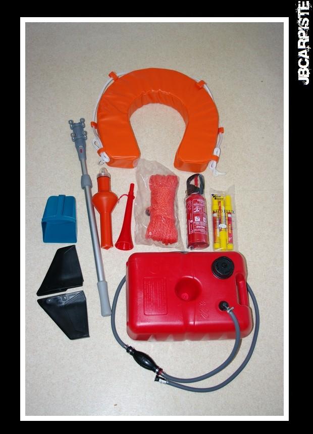 Equipement de sécurité obligatoire pour les bateaux à moteur Imgp8110