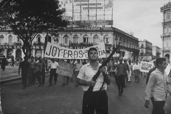 Así recibió el pueblo cubano a los rebeldes. Aaa1310