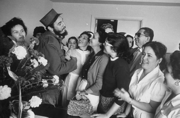 Así recibió el pueblo cubano a los rebeldes. Aaa610