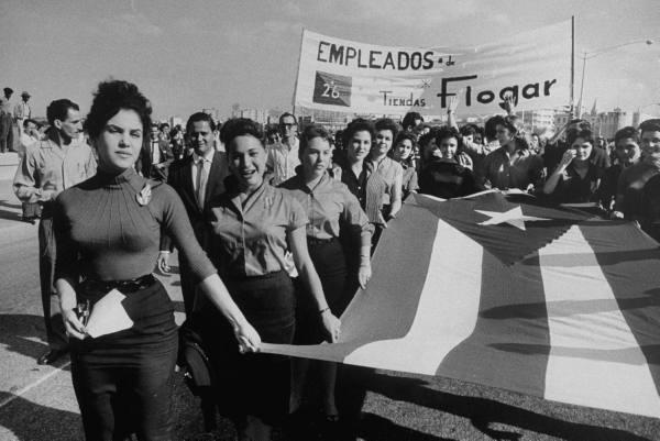 Así recibió el pueblo cubano a los rebeldes. Aaa910