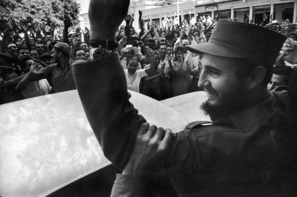 Así recibió el pueblo cubano a los rebeldes. Fidel_10