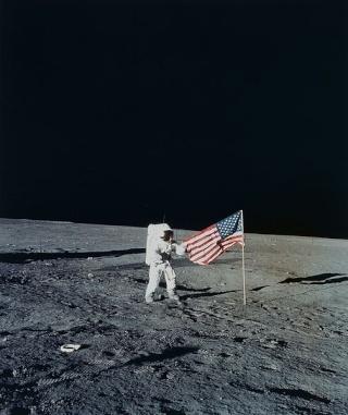 Rumeurs sur le programme Apollo 504px-10