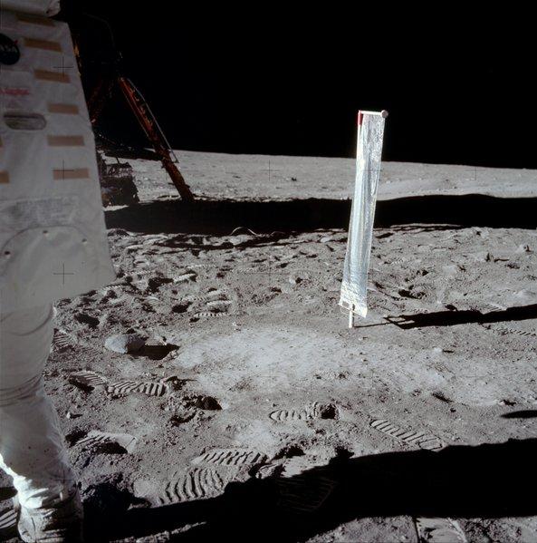 Rumeurs sur le programme Apollo 593px-12
