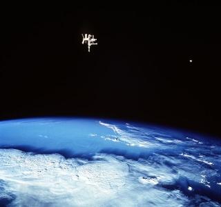 Rumeurs sur le programme Apollo 638px-10