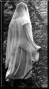 Les Dames blanches ou grises Dame-b10