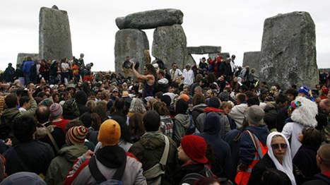 Des archéologues découvrent un mini Stonehenge Media103