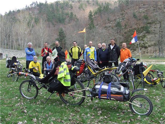 6e sortie dans la vallée du Haut Doux (Ardèche) le samedi 16 avril 2011 Getatt10