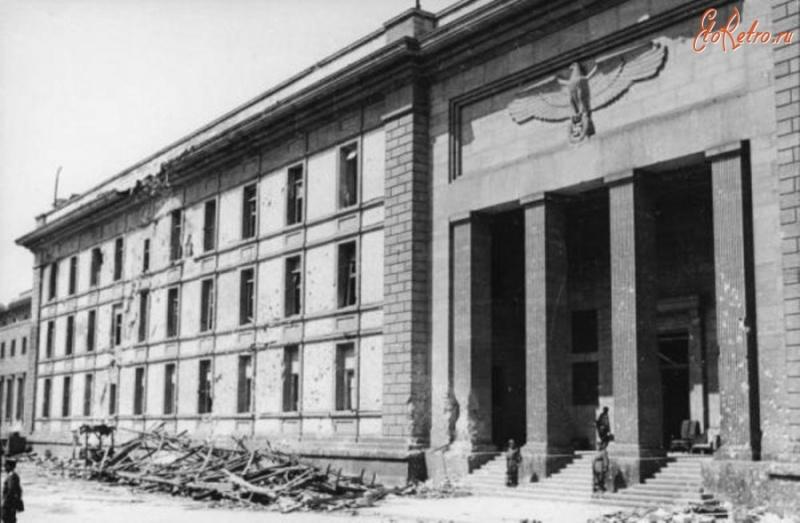 Avril 1945 : La bataille de Berlin - Page 3 13644510